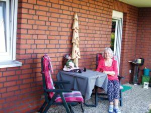 Ferienwohnung Braunlage -Gast auf der Terrasse