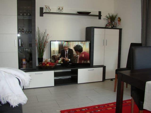 Wohn-Essraum mit Flachbild-PC in Ihrer Ferienwohnung